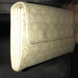 Louis Vuitton Sarah Long Monogram Wallet